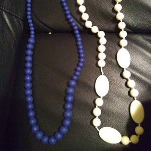 2 teething necklaces for Mom's, white &blue